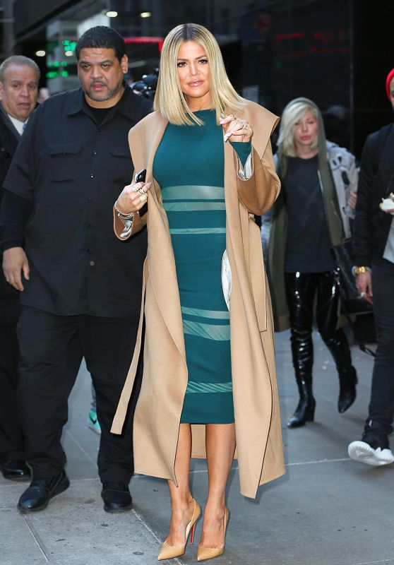 khloe-kardashian-good-morning-america-in-new-york-city-1-13-2016-1_thumbnail
