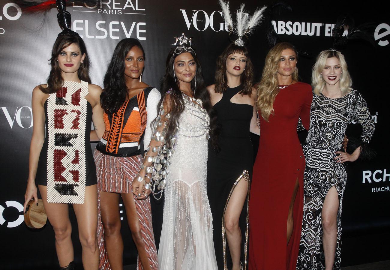 305aafaf1 OS LOOKS DO BAILE DA VOGUE 2016 - Fashionismo