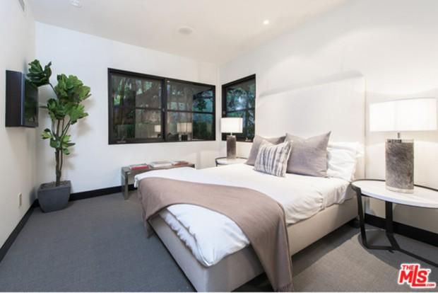 Calvin-Harris-Home-For-Sale-In-Los-Angeles-Bedroom-2