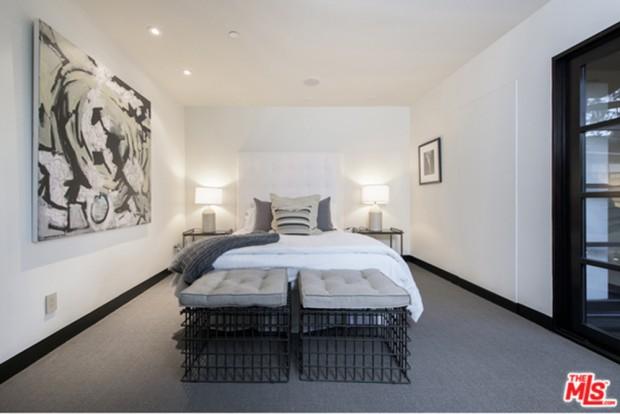 Calvin-Harris-Home-For-Sale-In-Los-Angeles-Bedroom