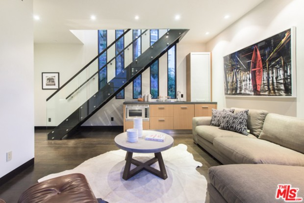 Calvin-Harris-Home-For-Sale-In-Los-Angeles-Foyer