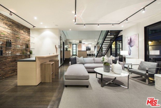 Calvin-Harris-Home-For-Sale-In-Los-Angeles-Kitchen