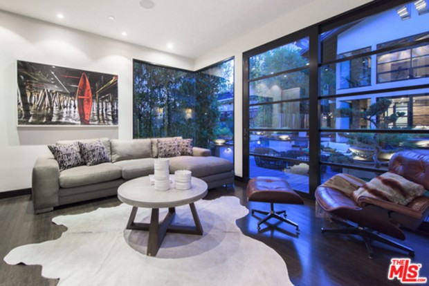 Calvin-Harris-Home-For-Sale-In-Los-Angeles-Living-Room