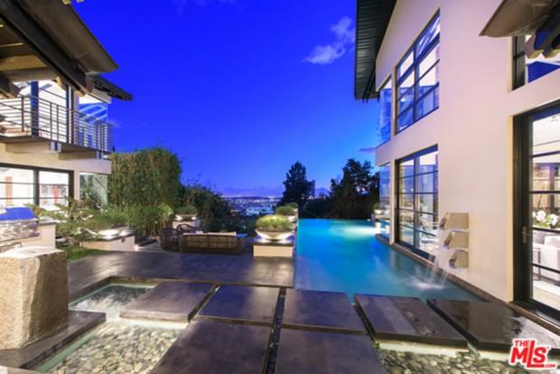 Calvin-Harris-Home-For-Sale-In-Los-Angeles-Pool-3