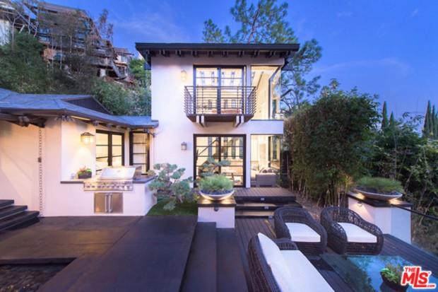 Calvin-Harris-Home-For-Sale-In-Los-Angeles-backyard