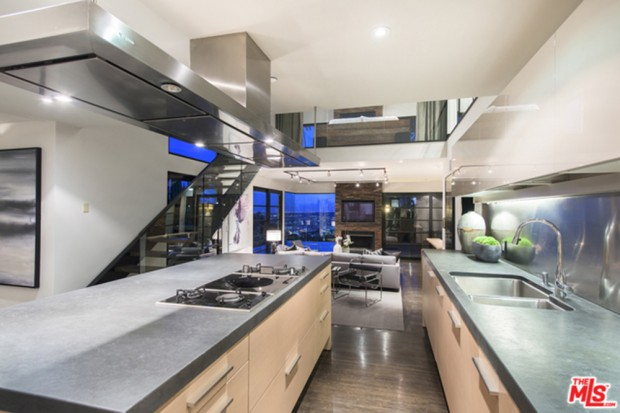 Calvin-Harris-Home-For-Sale-In-Los-Angeles-kitchen-2