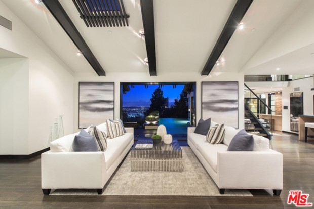 Calvin-Harris-Home-For-Sale-In-Los-Angeles-living-room-4