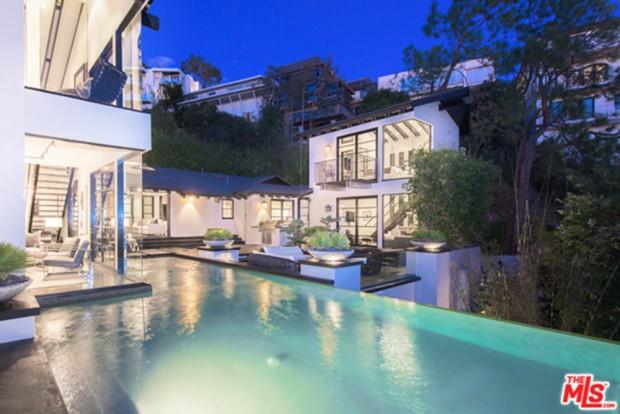 Calvin-Harris-Home-For-Sale-In-Los-Angeles-pool-2