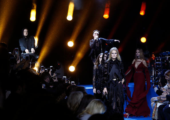 Models present creations by Elie Saab during the 2016-2017 fall/winter ready-to-wear collection on March 5, 2016 in Paris.  AFP PHOTO / FRANCOIS GUILLOT / AFP / FRANCOIS GUILLOT        (Photo credit should read FRANCOIS GUILLOT/AFP/Getty Images)