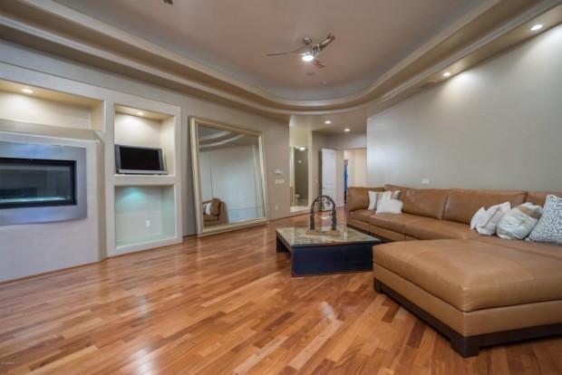 Alicia-Keys-bedroom2-97656c-1024x683