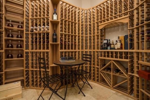 Alicia-Keys-wine-room-980db9-1024x683
