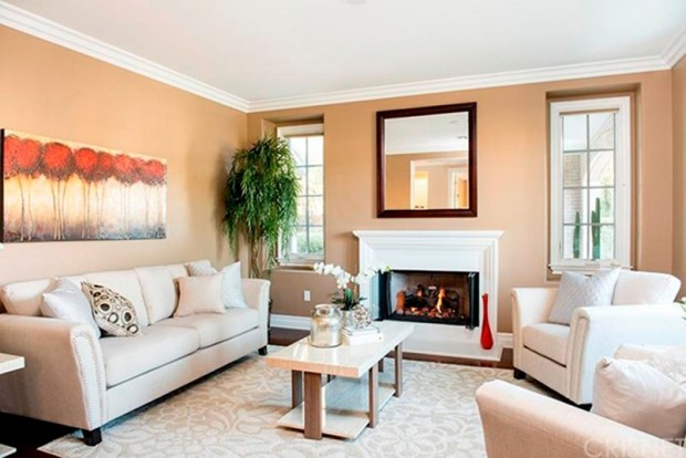 Kris-Jenner-House-In-Calabasas-living-room