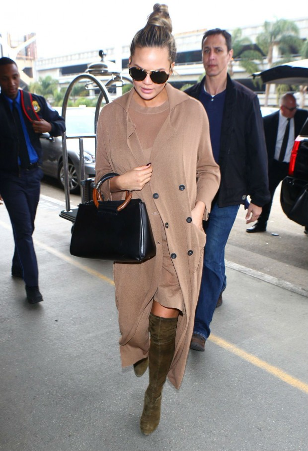 chrissy-teigen-lax-airport-in-los-angeles-ca-2-29-2016-3