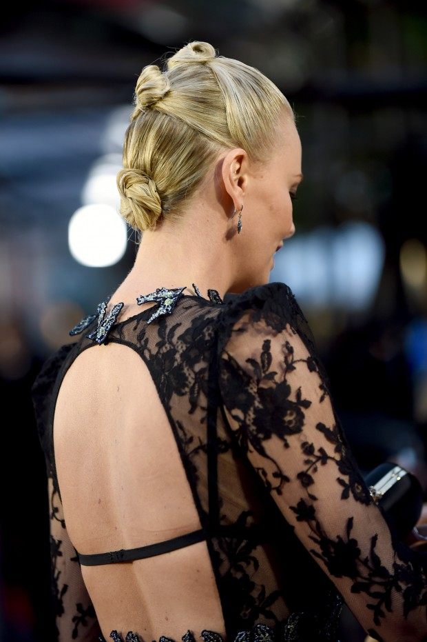BURBANK, CALIFORNIA – APRIL 09:  Actress Charlize Theron signs autographs before the 2016 MTV Movie Awards at Warner Bros. Studios on April 9, 2016 in Burbank, California.  MTV Movie Awards airs April 10, 2016 at 8pm ET/PT.  (Photo by Emma McIntyre/Getty Images for MTV)