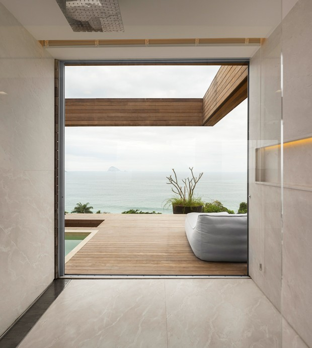 Luxury-Villa-in-Brazil-by-Studio-Arthur-Casas-4