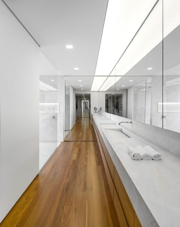 Luxury-Villa-in-Brazil-by-Studio-Arthur-Casas-7