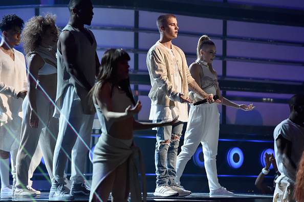 LAS VEGAS, NV – MAY 22:  Singer Justin Bieber performs onstage during the 2016 Billboard Music Awards at T-Mobile Arena on May 22, 2016 in Las Vegas, Nevada.  (Photo by Lester Cohen/BBMA2016/Getty Images for dcp)