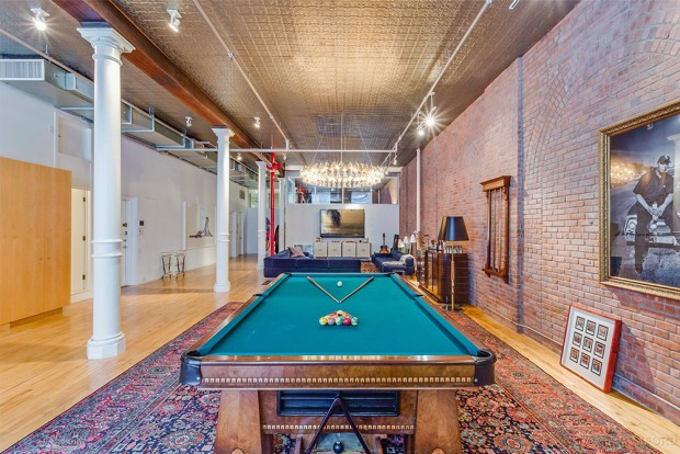 Adam-Levine-And-Behati-Prinsloo-House-in-NY-Pool-Room