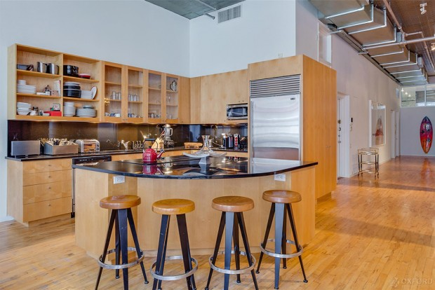 Adam-Levine-And-Behati-Prinsloo-House-in-NY-kitchen