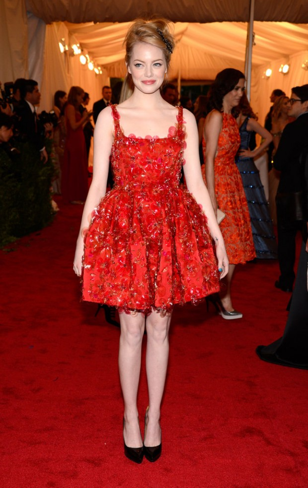 Emma-Stone-Met-Gala-Red-Carpet-Pictures-2012