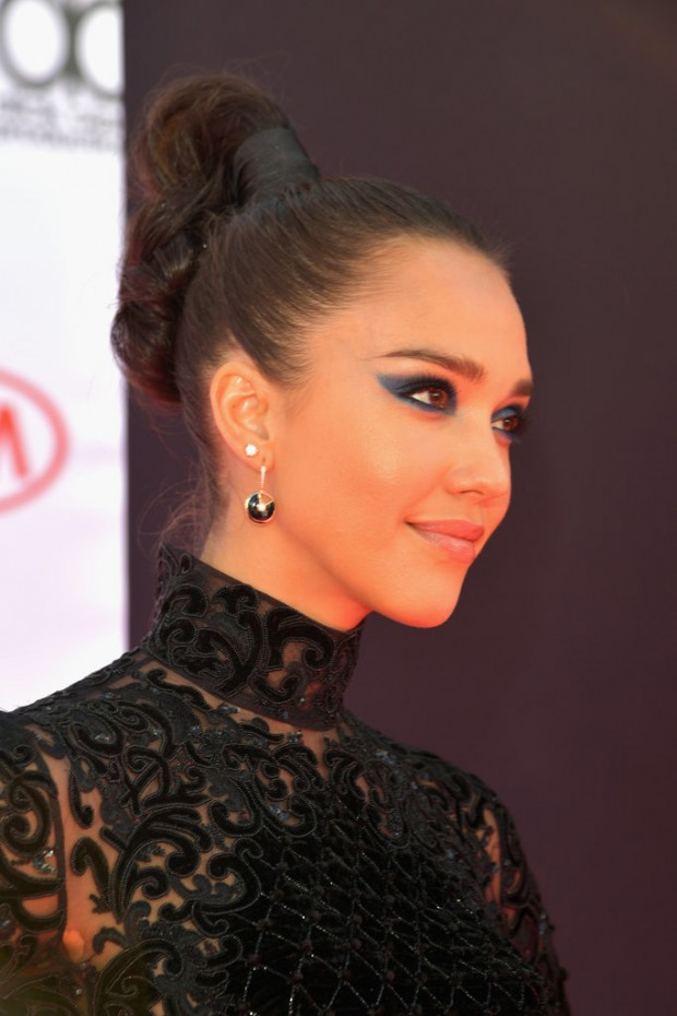Jessica-Alba-Hair-Makeup-2016-Billboard-Music-Awards-2