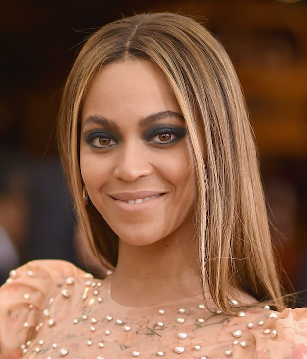 NEW YORK, NY – MAY 02: Beyonce attends the 'Manus x Machina: Fashion In An Age Of Technology' Costume Institute Gala at Metropolitan Museum of Art on May 2, 2016 in New York City.  (Photo by Dimitrios Kambouris/Getty Images)