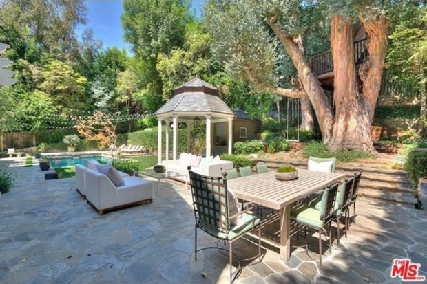 Adele-house-in-beverly-hills-ca-2