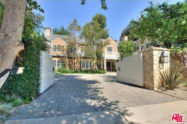 Adele-house-in-beverly-hills-ca-5