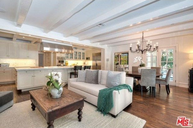 Adele-house-in-beverly-hills-ca-kitchen