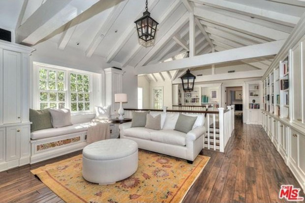 Adele-house-in-beverly-hills-ca-living-room-2