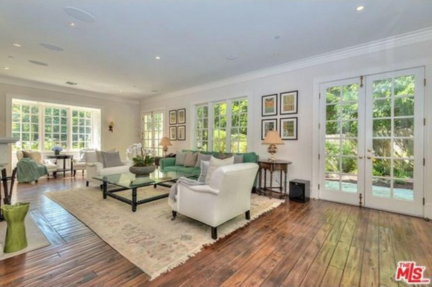 Adele-house-in-beverly-hills-ca-living-room-5