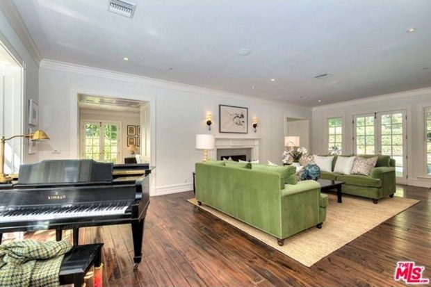 Adele-house-in-beverly-hills-ca-living-room-56