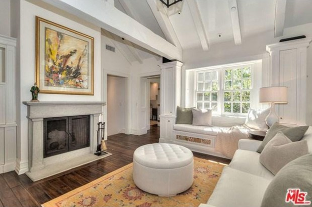Adele-house-in-beverly-hills-ca-living-room