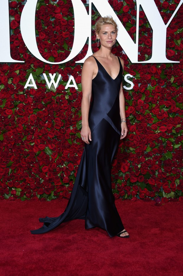 NEW YORK, NY – JUNE 12:  Claire Danes attends the 70th Annual Tony Awards at The Beacon Theatre on June 12, 2016 in New York City.  (Photo by Dimitrios Kambouris/Getty Images for Tony Awards Productions)