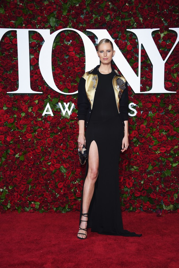 NEW YORK, NY – JUNE 12:  Model Karolina Kurkova attends the 70th Annual Tony Awards at The Beacon Theatre on June 12, 2016 in New York City.  (Photo by Dimitrios Kambouris/Getty Images for Tony Awards Productions)