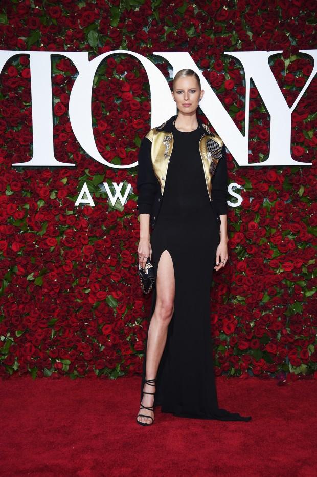 NEW YORK, NY – JUNE 12:  Model Karolina Kurkova attends the 70th Annual Tony Awards at The Beacon Theatre on June 12, 2016 in New York City.  (Photo by Dimitrios Kambouris/Getty Images for Tony Awards Productions)