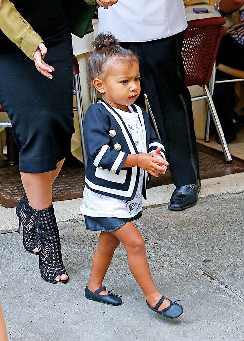 13 Looks Da North West Por A 237 Fashionismo