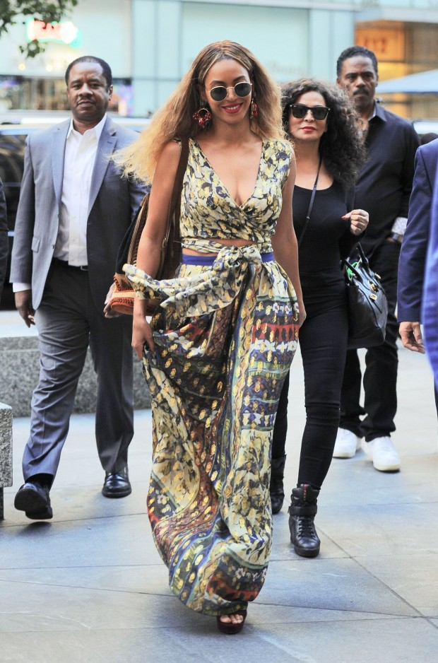 beyonce-looks-boho-chic-out-in-nyc-6-17-2016-21
