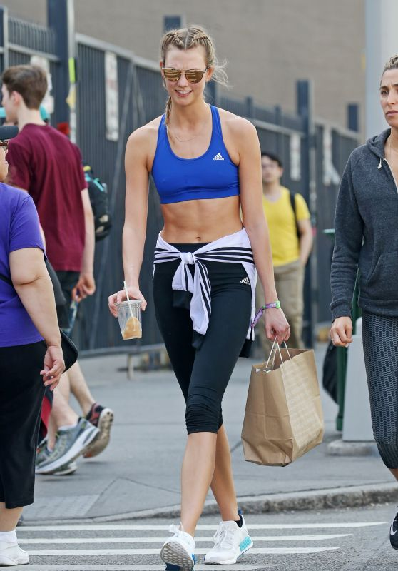 karlie-kloss-gym-style-out-in-new-york-city-ny-4-18-2016-1_thumbnail