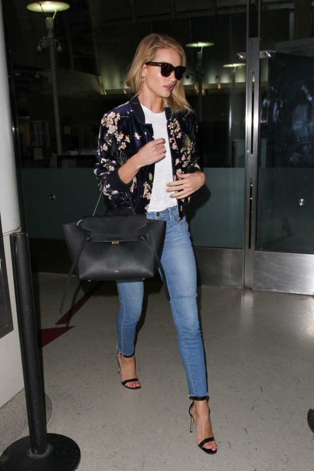 rosie-huntington-whiteley-travel-outfit-at-lax-in-los-angeles-6-8-2016-4