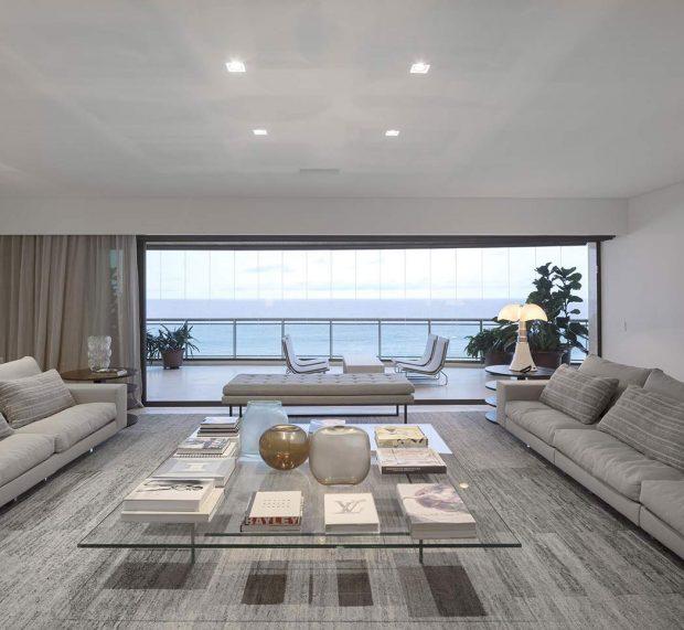 004-barra-residence-studio-arthur-casas-1050x967