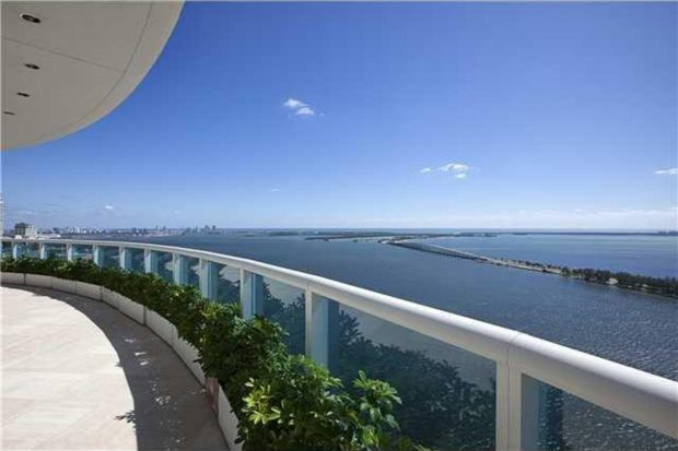 Pharrell-home-for-sale-in-miami-fl-balcony-2