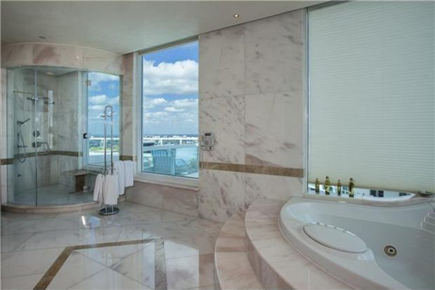 Pharrell-home-for-sale-in-miami-fl-bathroom