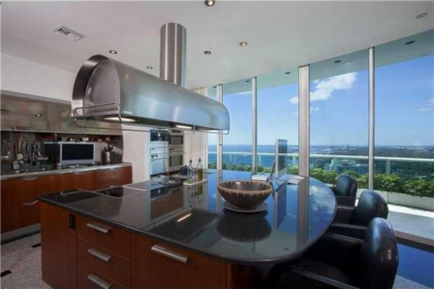Pharrell-home-for-sale-in-miami-fl-kitchen