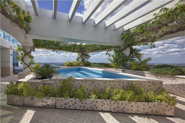 Pharrell-home-for-sale-in-miami-fl-pool