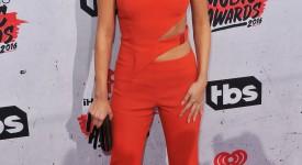 11 Looks da Selena Gomez por aí
