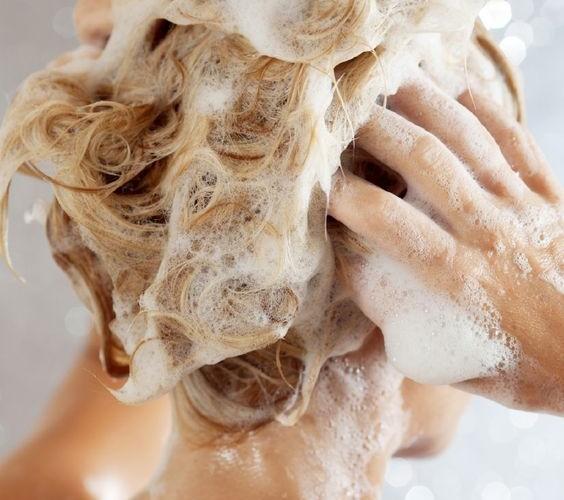 10 coisas que você NÃO deve fazer nos cabelos!