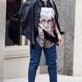 O que a Rihanna esta querendo dizer com esses looks looks?