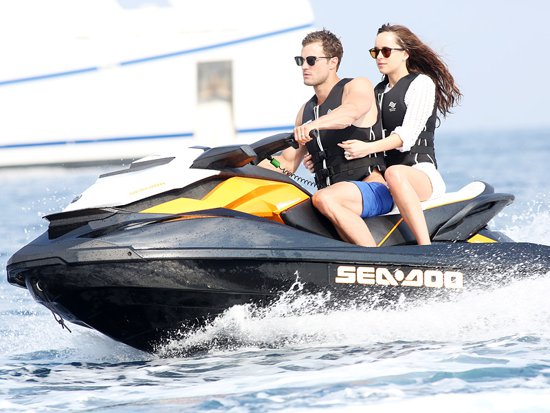 dakota-johnson-jamie-dornan-make-sexy-splash-while-filming-fifty-shades-freed-french-riviera
