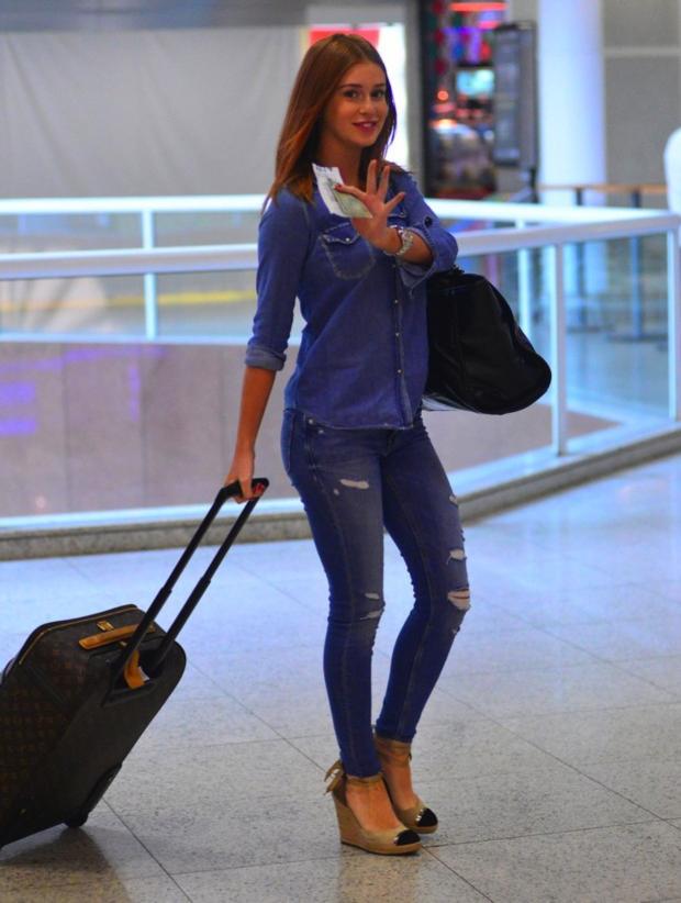 Marina Ruy Barbosa jeans aeroporto